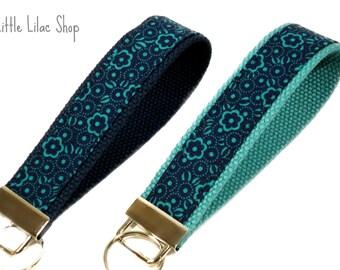 Key Chain Wristlet, Key Fob Wristlet, Fabric Key Fob, Fabric Keychain, Floral Print, Key Holder, Key Chain, Key Chain Wristlet