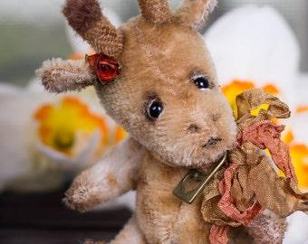Giraffe Kelvin - OOAK Teddy Bear