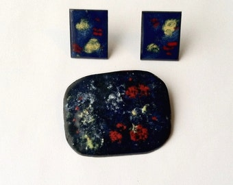 Vintage Artist Made Abstract Enamel Jewelry Set Clip Earrings and Brooch