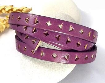 Flat leather plum triangles 10mm per 1 meter (1.09 yard)
