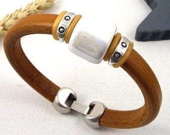 Kit tutorial licorice camel leather strap gold with ivory handcrafted ceramic beads
