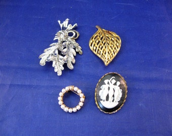 Lot of 4 Vintage Jewelry Pins / Brooches