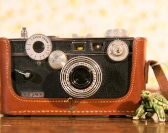 Argus C3 35mm Film Brick Rangefinder Camera with Leather Case