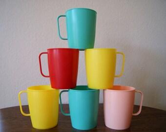 Fab Lustro Ware Picnic Cups