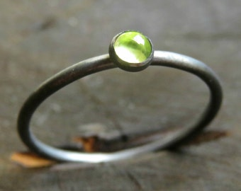 Peridot Ring in Sterling Silver / Green Stone Ring / Blackened Silver Ring - Oxidized Silver Ring