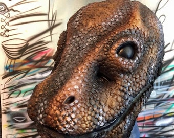 KOMODO Latex Mask