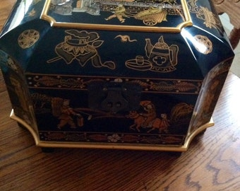 Black Lacquer Chinese Jewelry Box