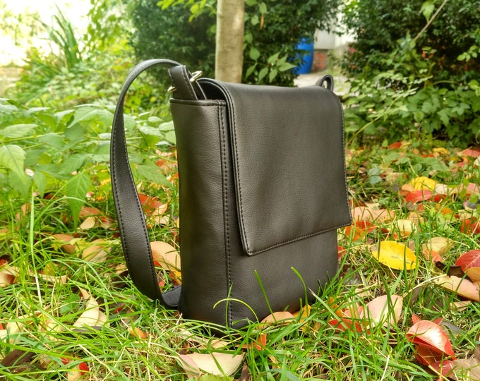 Black Vegan leather Messenger Bag for men