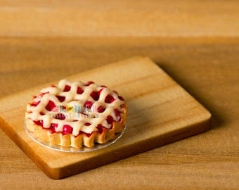 Dollhouse Miniatures Cherry Lattice Tart