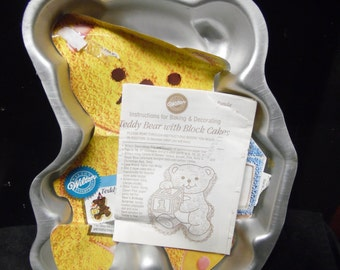 Teddy Bear with Block cake pan by Wilton