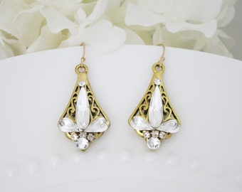 Gold filigree crystal earring, Swarovski rhinestone petite chandelier, Unique wedding earring, Vintage style bridal earring