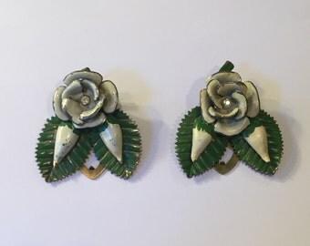 Vintage 40s shoe clips, 1940s shoe clips, painted metal shoe clips floral shoe clips