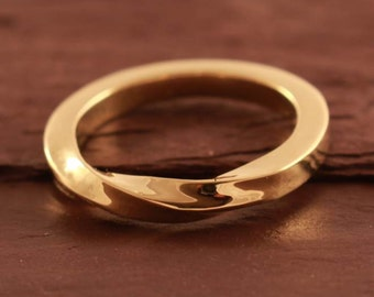 Welsh Gold and 18ct EcoGold Twist Wedding Ring