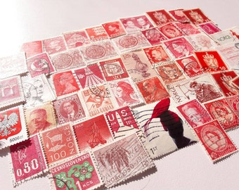 50 Red Postage Stamps – Worldwide lot