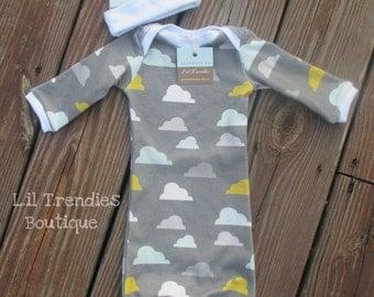 Newborn baby gown//Gender neutral