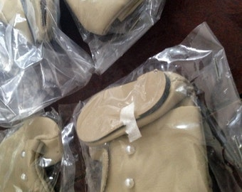 "2"" Tan Doll Shoes, Pearl Buttons. 6 pair NOS.  Free Shipping"