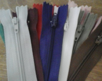 BATCH ZIP ZIPPERS 18 cm