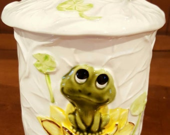 Sears Roebuck & Co. Frog on Lilly Pad Canister