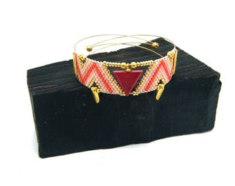 Cuff triangle red wood and woven beads