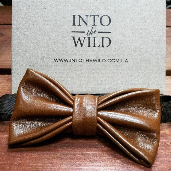 This Hello Tie brand mens bowtie, luxurious Double Color PU leather and Flannelette with Crystal Design £¬features a superior build quality. This bow tie is a formal bowtie and can be worn very formally, or dressed coolmfilb6.gqs: