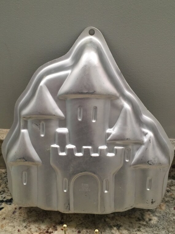 wilton enchanted castle cake instructions