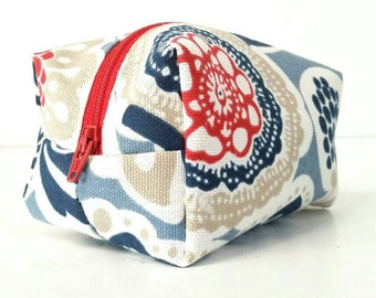 Red/blue/white/beige floral cosmetic/makeup/travel/toiletry storage/bag/pouch/case