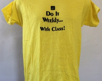 Vtg 80s Screen Stars Do It Weekly With Class T-Shirt Yellow M Thin 50/50