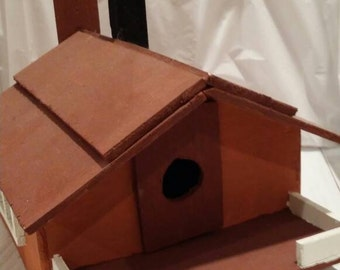 Bird House/Handmade/Wood/Chickadees/Finches