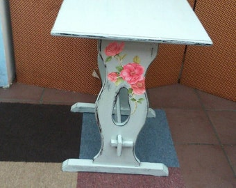 Shabby chic Small Tea Table