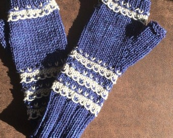 Blue/gray embellished hat and mitts set