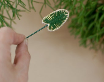 Handmade embroidered hair pin, green leaf with goldener details