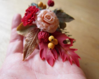 Autumn leaves comb, maple leaves, autumn hair comb, wedding comb, red flowers comb, orange berry, flower hair accessory, clay autumn leaves