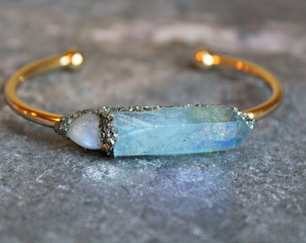 Moonstone Jewelry for Her, Valentines Day Jewelry for Her, June Birthstone Jewelry Gift, Gemstone Moonstone Bracelet, Raw Quartz Cuff