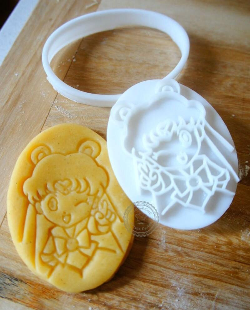 Sailor Moon Cake With Fondant