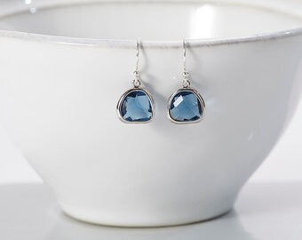 Little Silver and Midnight Blue Raindrop Earrings - Earrings for bridesmaid - Earrings for wedding - Navy Blue and Silver earrings
