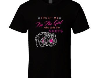 Photographer T Shirtphotographer t-shirt. photographer tshirt for her. photographer tee as a gift. A photographer gift with this t shirt