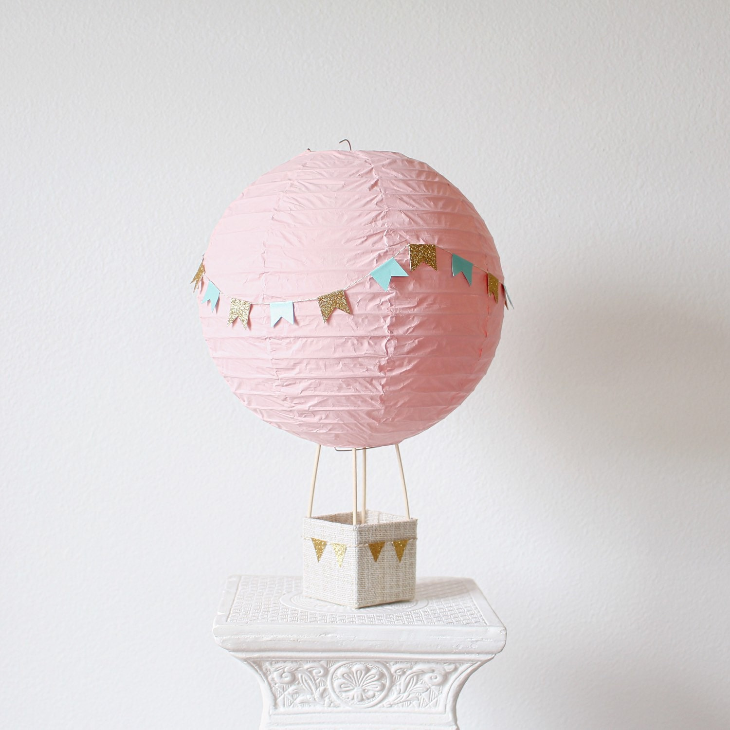 Hot air balloon decoration baby shower centerpiece decoration for Air balloon decoration