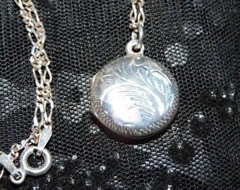Locket Necklace Sterling Silver Round