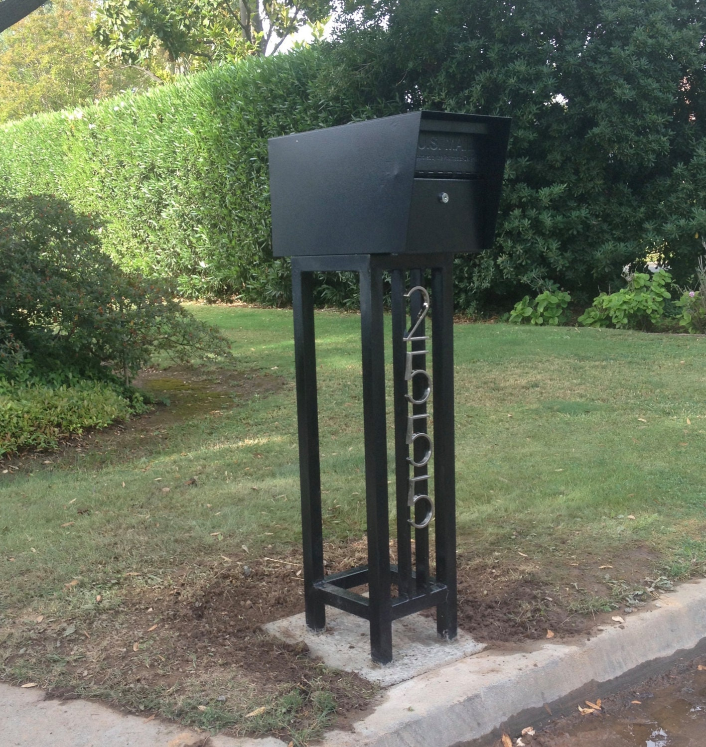 Mid Century Steel Mailbox Stand With Locking Mailbox