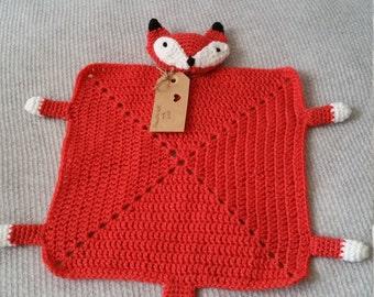 Crochet fox little cuddly blanket