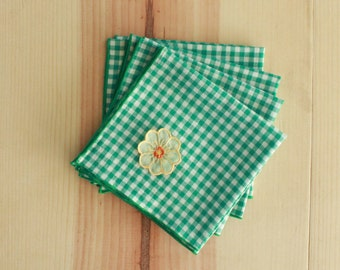 Green Gingham Napkins with Floral Detail - Set of 4