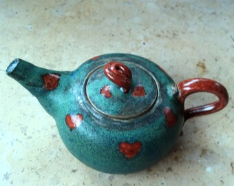 Heart decorated small Teapot