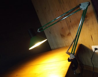 Industrial lamp green vintage metal / architect vintage desk lamp / old folding metal desk lamp