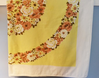 Vintage 52 in. x 64 in. Yellow and White Tablecloth, Vintage Tablecloth