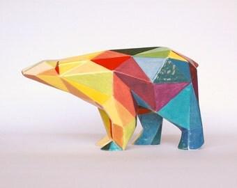Orso poligonale in ceramica colorato a mano