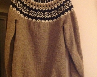 Traditional Pattern Icelandic Jumper in Undyed Wool - Made to Order