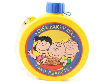 1990 Peanuts Yellow Plastic Canteen Chex Party Mix 40th Anniversary Vintage