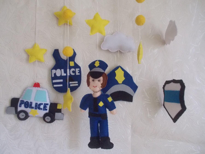 b b lit b b police mobile policier mobile gar on par. Black Bedroom Furniture Sets. Home Design Ideas