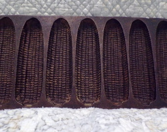 Vintage Cast Iron Corn Cob Corn Bread Pan
