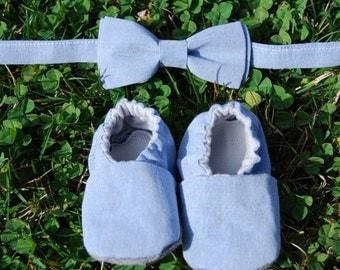 Light denim baby booties and bow tie set